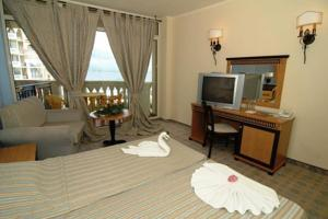 Double Room-sea
