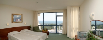 Double Twin Room Sea side